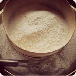 Lulu-Organics-Dry-Shampoo-Review-2