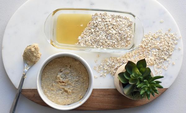 Oatmeal and Honey Scrub